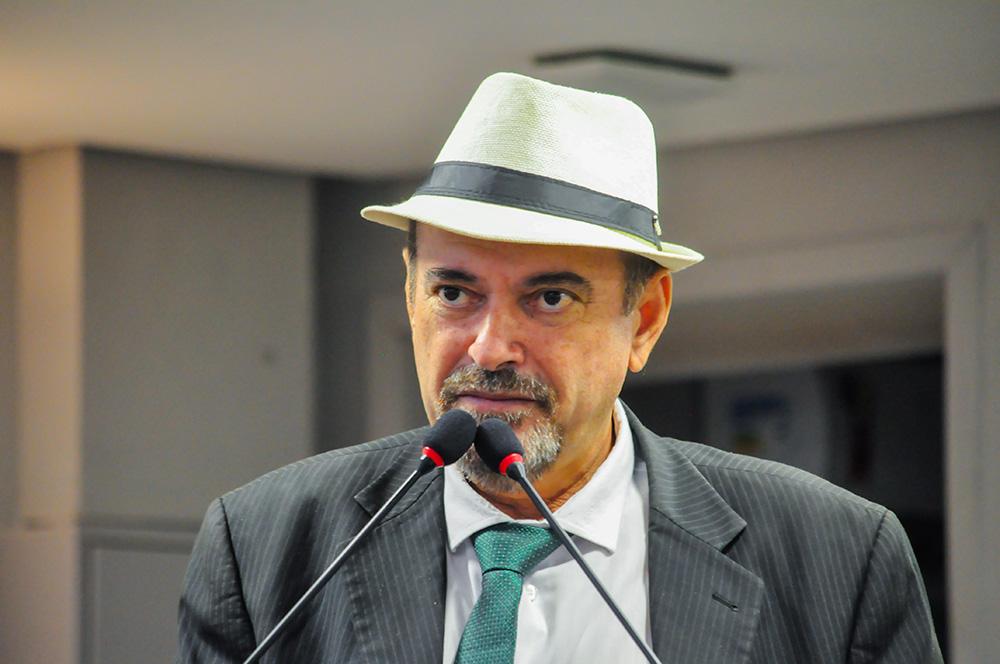 Deputado Jeova Campos comemorou recuo de Bolsonaro em decreto que privatizava o SUS - Bolsonaro recua na proposta de privatização do SUS por pressão popular e não por entender que essa medida seria nociva ao povo destaca Jeová