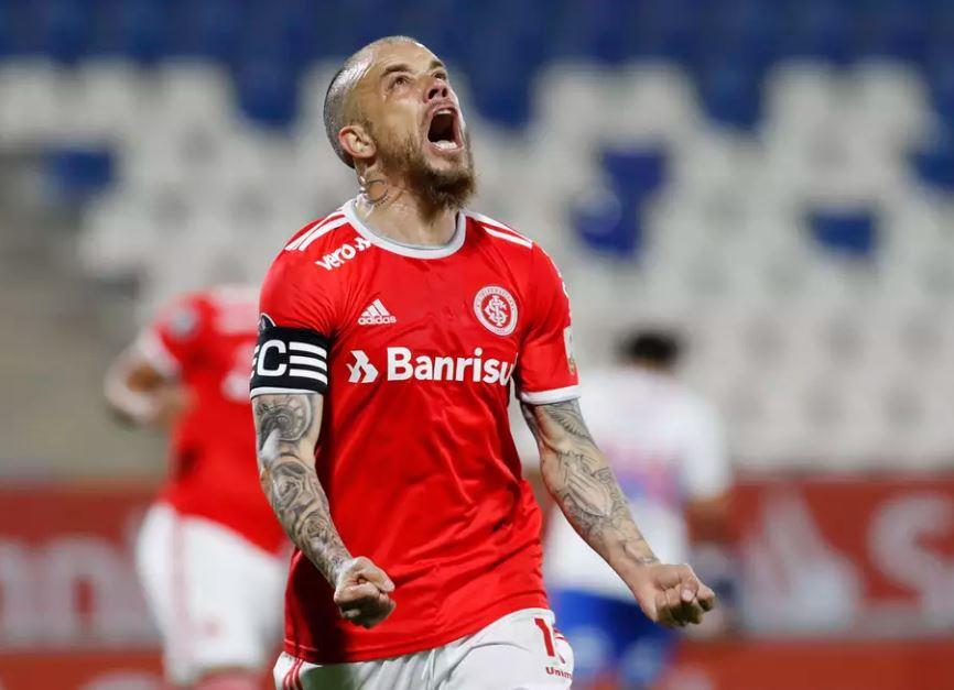 FUT - Inter perde para a Católica, mas segue na Libertadores