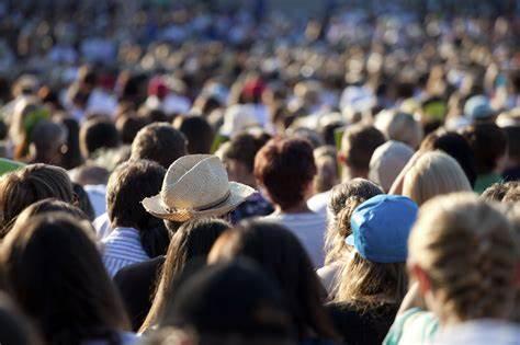 OIP - POVO X MASSA: A massa popular no movimento das ondas - Por Rui Leitão