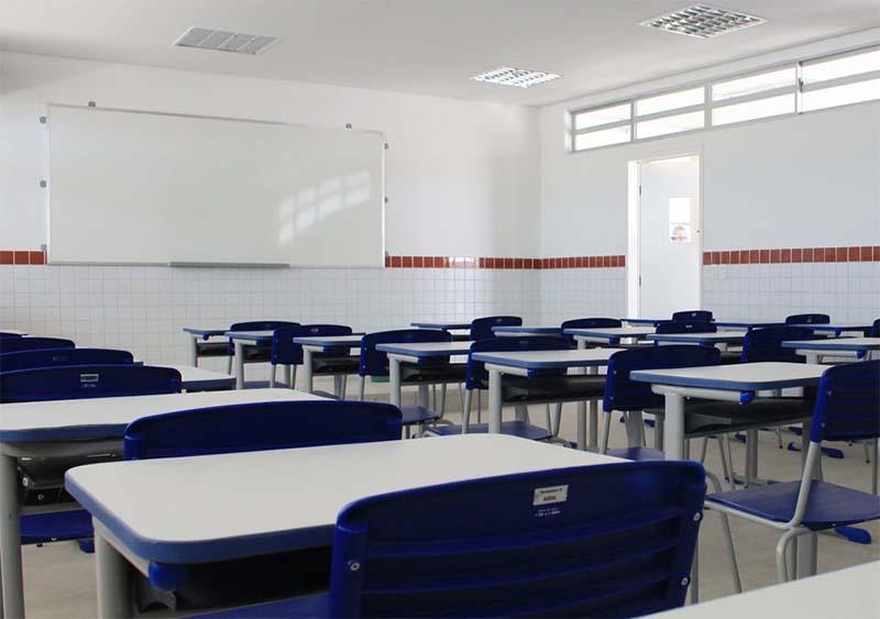 aula0810 - Servidores da educação de Campina Grande deflagram em greve geral