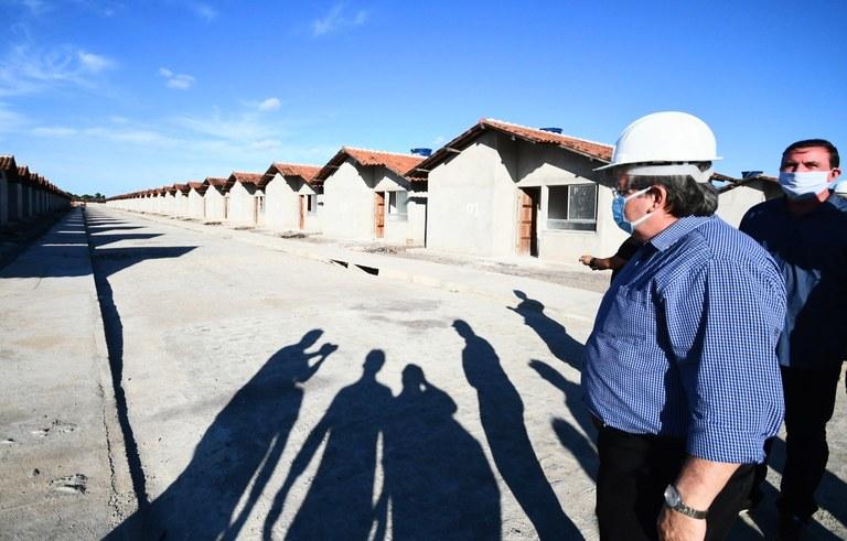 b121c5a8 df8e 4c67 b195 a568865822e2 - Novas moradias em Santa Rita: João Azevêdo realiza visitas em construção de 500 unidades habitacionais