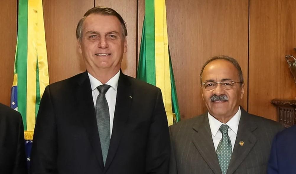 bolsonaro e chico rodrigues - DINHEIRO NAS NÁDEGAS: Luis Roberto Barroso, do STF, afasta senador do cargo por 90 dias