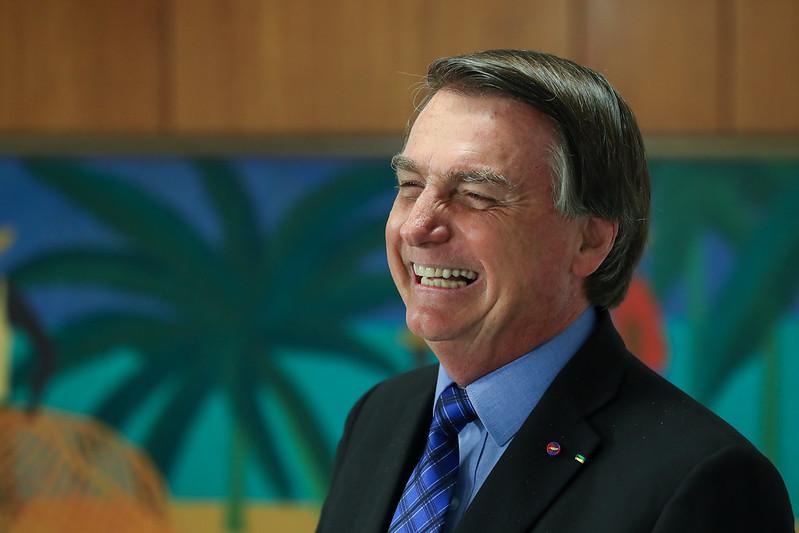 """bolsonaro voadora - Bolsonaro diz que dará """"voadora no pescoço"""" de quem praticar corrupção no seu governo"""