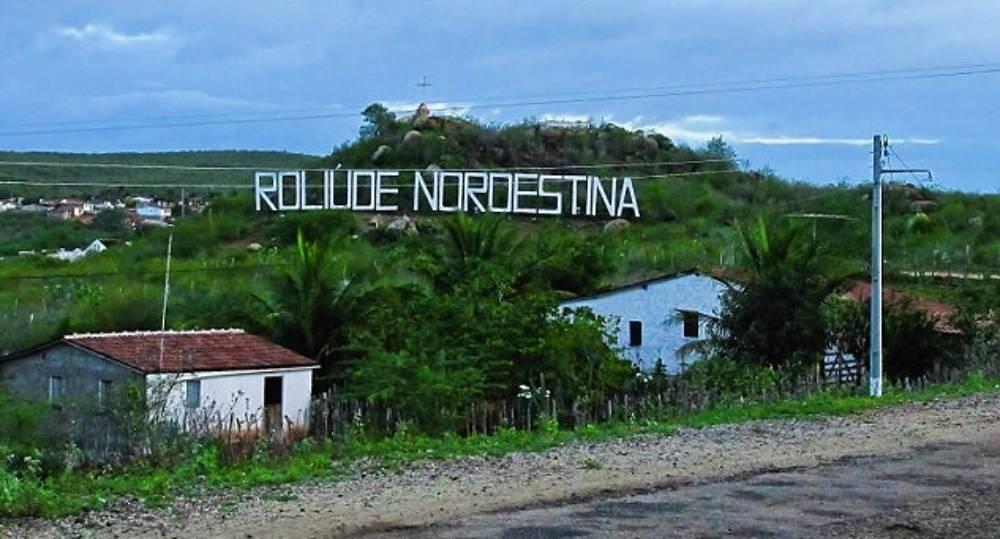 cabaceiras - CENÁRIO DESERTO: Sobrevivendo do cinema há 91 anos Cabaceiras- PB passa por crise no turismo