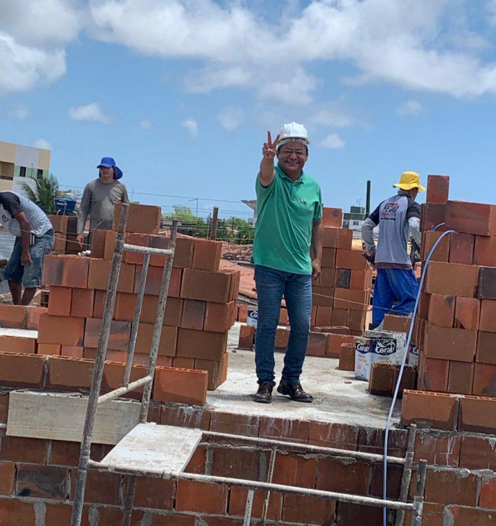 cb47e4f7 efc6 4f96 978a f62eaded9ce9 965x1024 - No Dia da Construção Civil, Nilvan destaca propostas para o segmento em João Pessoa