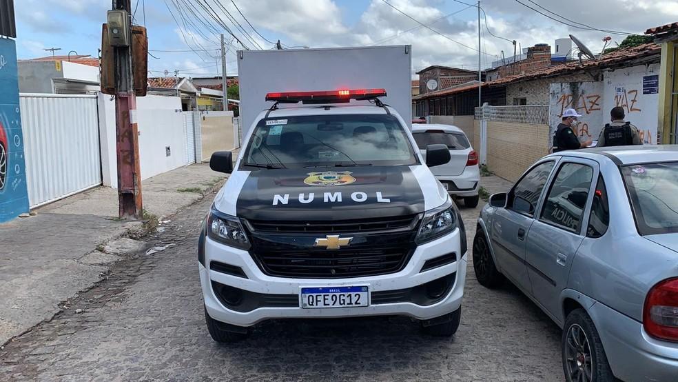 execucao mangabeira - Jovem é assassinado dentro de casa com pelo menos oito tiros, em João Pessoa