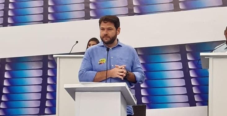 f8b146a4 3186 43c5 be7e 4414eab21844 - DEBATE DOS VICES: Experiência de Zé Gadelha à frente do Banco Cidadão é destaque na TV Master