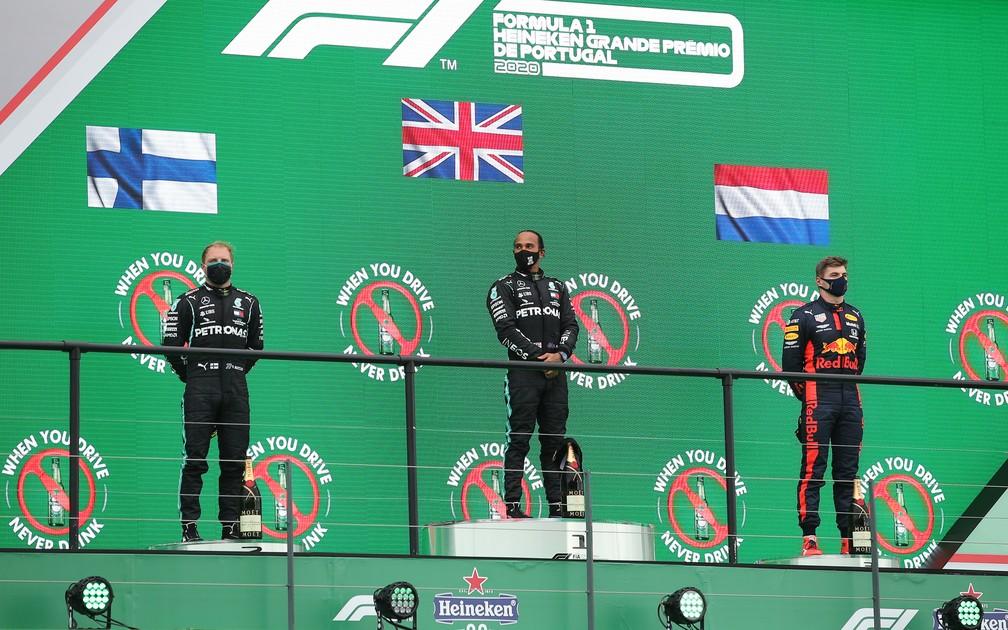 gettyimages 1282149156 - Hamilton vence GP de Portugal, fatura sua 92ª vitória e supera Schumacher