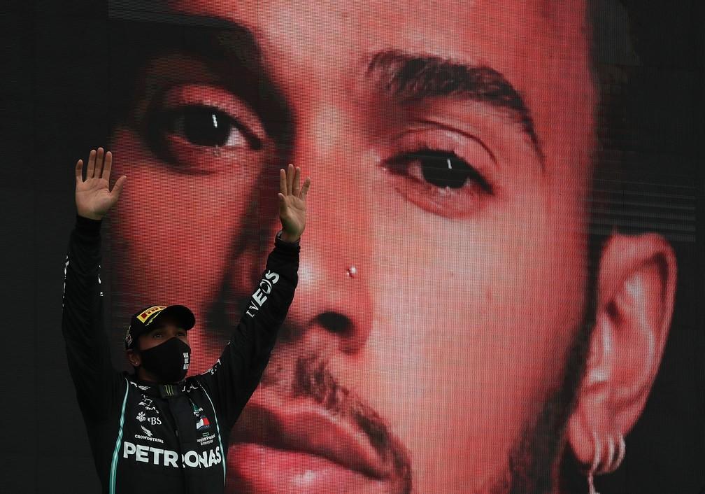gettyimages 1282149176 - Hamilton vence GP de Portugal, fatura sua 92ª vitória e supera Schumacher