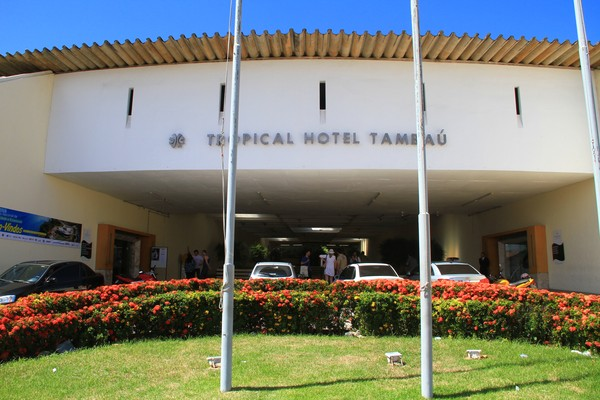 hotel tambau pag.capa cad.extra rizemberg felipe 264200 1  - Comprador que deu lance menor aguarda parecer judicial para arrematar Hotel Tambaú
