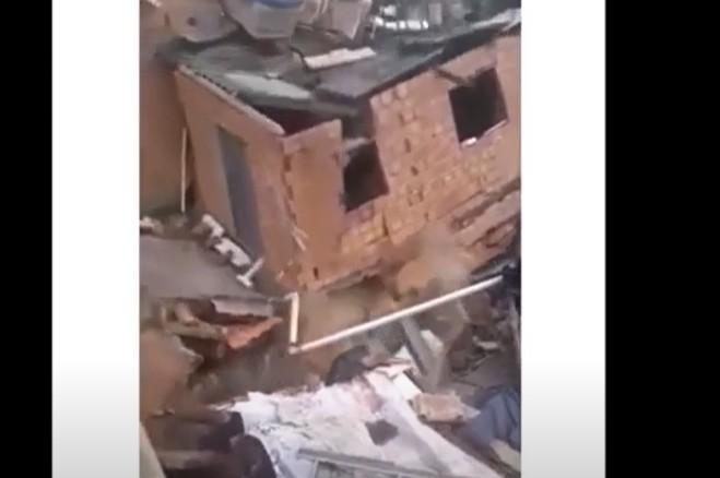imagem 2020 10 24 141513 - Casa de três andares desaba e atinge outros dois imóveis - VEJA VÍDEO