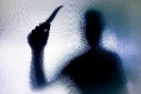 images 5 - Homem decapita mãe e foge com a cabeça após discussão