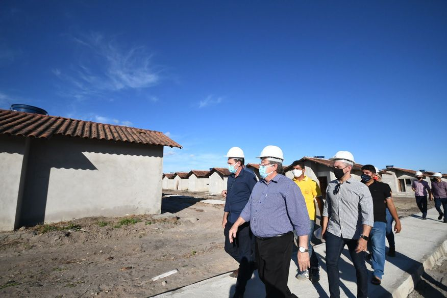 joao azevedo - João Azevêdo visita às obras de construção de 500 unidades habitacionais em Santa Rita