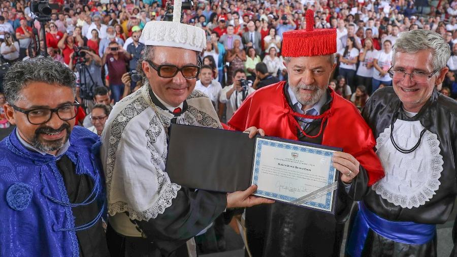 lula - Juiz alega engano, e Lula volta a ter título de doutor honoris causa em Alagoas