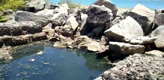mar - DIQUE DE CABEDELO: moradores denunciam descaso com esgoto aberto, que cai diretamente no mar - VEJA VÍDEO