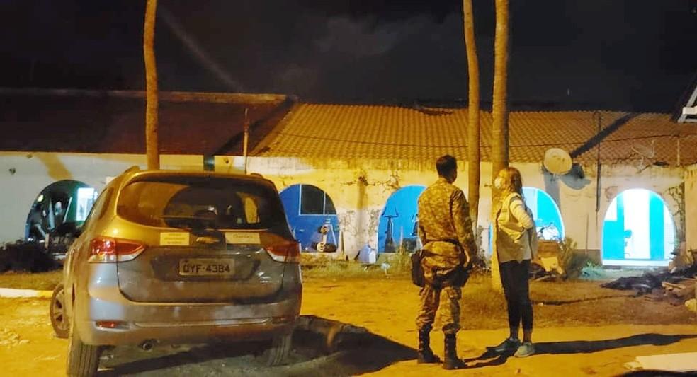 pm e vigilancia  - Quatro turistas acusados de falsificar exames da Covid-19 para entrar em Fernando de Noronha são presos