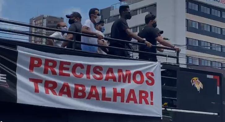 prec - Representantes da Apage realizam protesto para tentar estabelecer propostas para retomada das atividades em João Pessoa - VEJA VÍDEO
