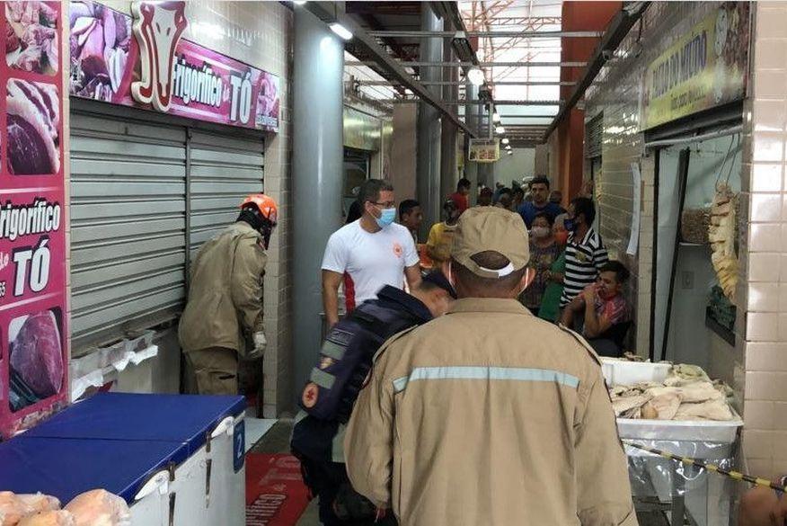 screenshot 1 - Funcionária de frigorífico é socorrida após prender a mão em moedor de carne, no bairro da Torre