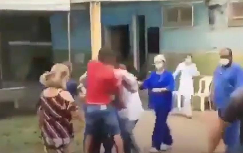 tv 1 - Equipe de TV é agredida durante reportagem sobre eleições - VEJA VÍDEO