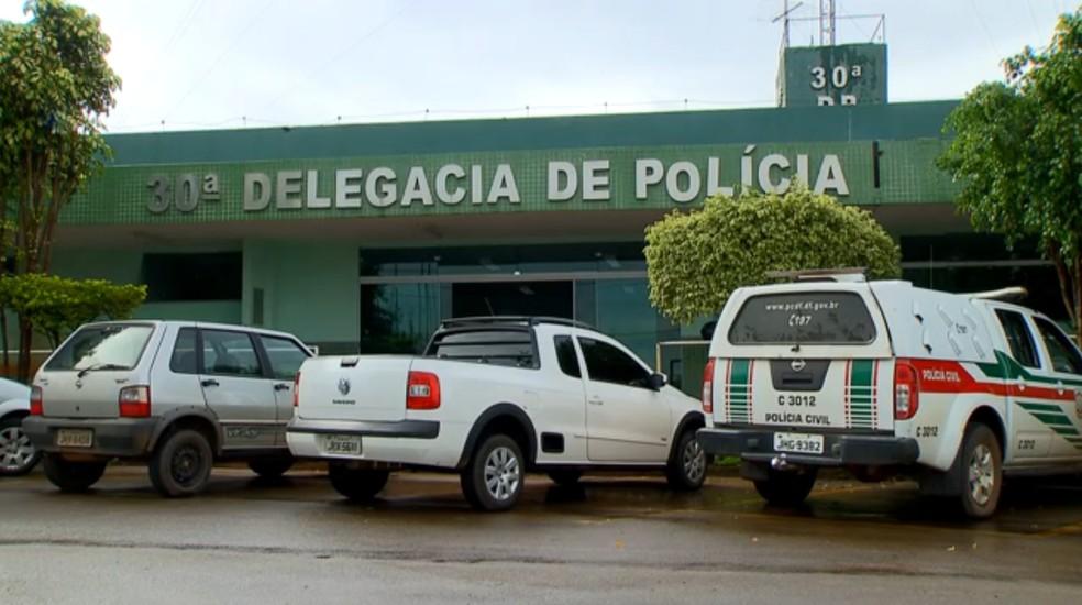 """30dp - Vigilante é preso no DF por suspeita de estupro com crianças; ele usava short com buraco para """"facilitar"""" o ato"""