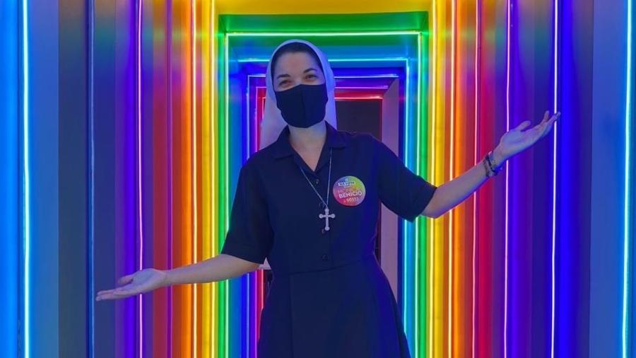 """a irma herika chaves 1605119365678 v2 900x506 - """"AMOR DE DEUS É RESPEITO"""", diz freira que tem irmão gay e foi a bar lésbico"""