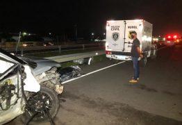 Homem morre após ter cochilado ao volante e bater em dois caminhões na BR-230