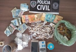 Polícia Civil prende homem em flagrante e desarticula ponto de venda de drogas