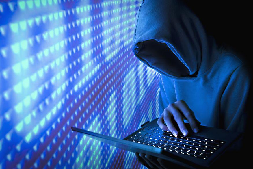 hacker   computador - CRIMES CIBERNÉTICOS: Justiça determina apreensão de equipamentos de hacker em João Pessoa