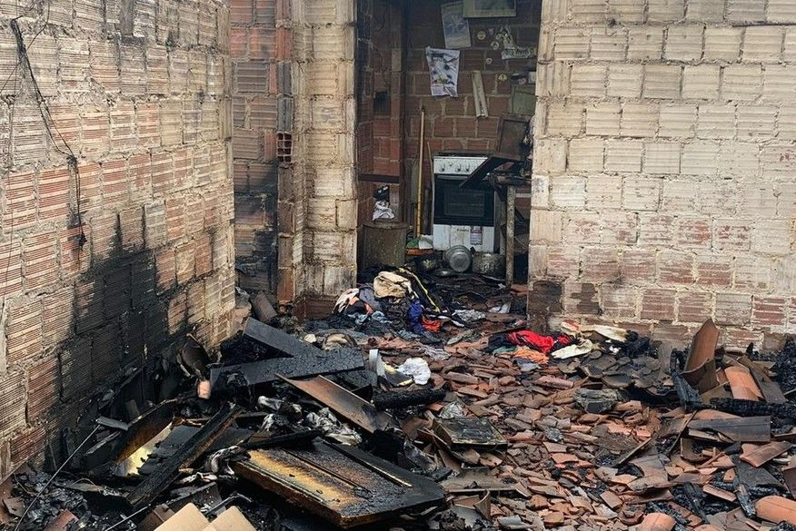 incendio lagoa seca - Idoso morre carbonizado durante incêndio em residência na Paraíba