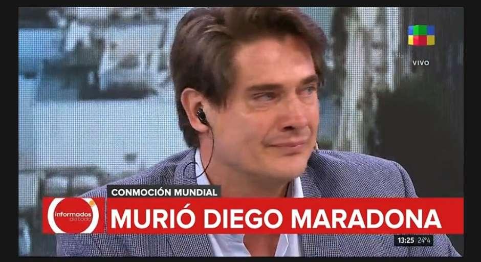 jornalista01 - Jornalista chora e perde a voz ao noticiar morte de Maradona