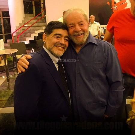 maradona e lula 1573249511254 v2 450x450 - Políticos do Brasil dão adeus a Maradona; Lula cita apoio a causas sociais