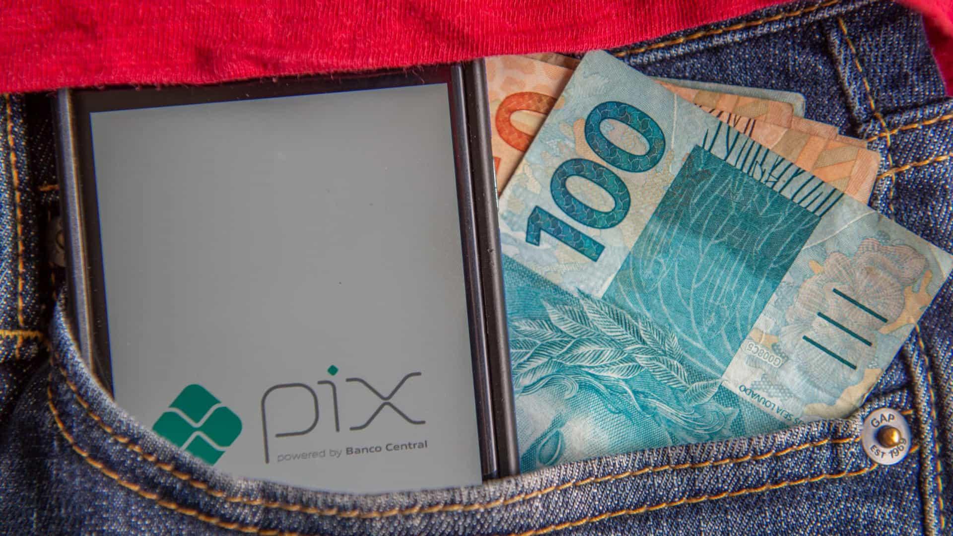 naom 5f7c2d842749b - Valor médio de transações do Pix foi R$ 90 no primeiro dia de teste