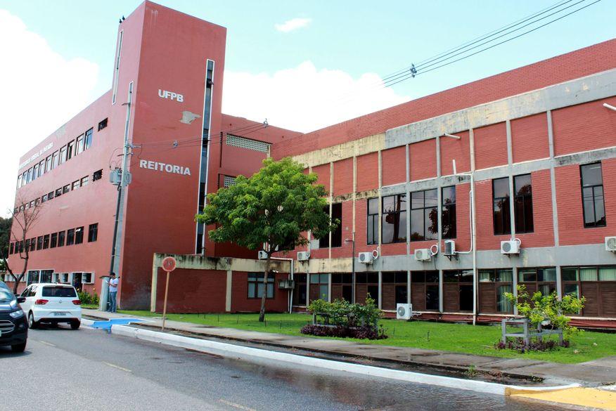 reitoria ufpb walla santos2 1 - Reitoria UFPB: Frente Parlamentar pela Valorização das Universidades Federais critica intervenção de Bolsonaro