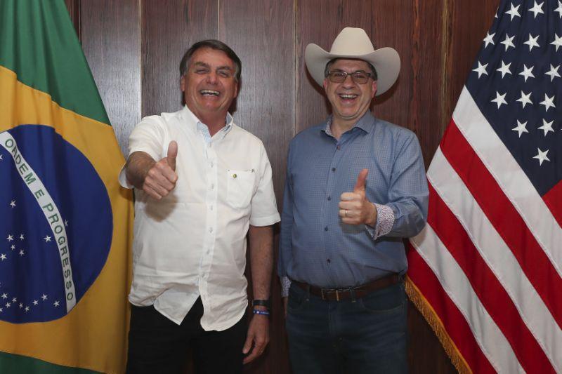 """todd chapman - Após Bolsonaro falar em """"pólvora"""", embaixador americano exalta o poderio militar dos EUA"""