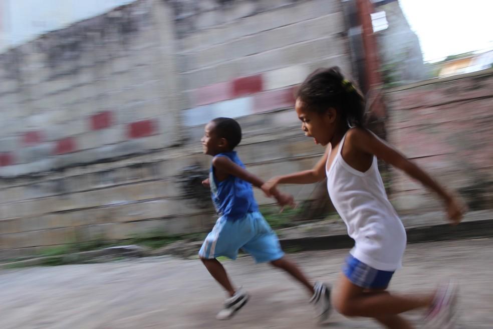 wayne lee sing zyzzf6zsewi unsplash - Acesso de negros a escolas cresceu na última década, mas ensino da cultura e história afro-brasileira ainda é desafio