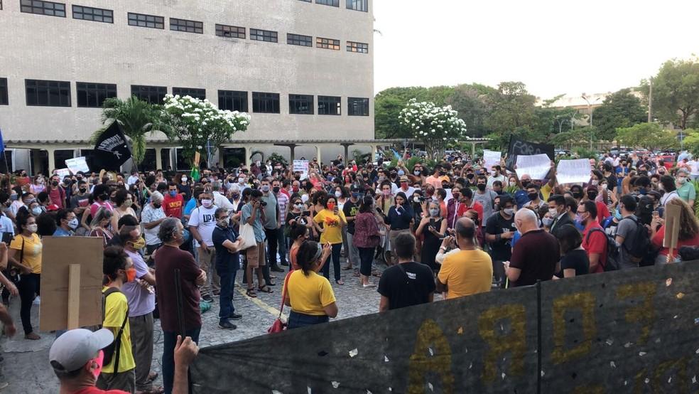 whatsapp image 2020 11 05 at 16.56.19 - RESISTÊNCIA! Alunos da UFPB protestam contra nomeação de reitor que foi último colocado em lista tríplice - VEJA VÍDEO