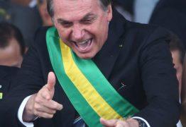 Bolsonaro arma 262x180 - Alíquota Zerada! Bolsonaro não fez nada mais que o já prometido, ache ruim quem quiser - por Luiz Pereira