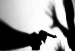 Jovem é assassinado a tiros no portão de casa no bairro de Mangabeira