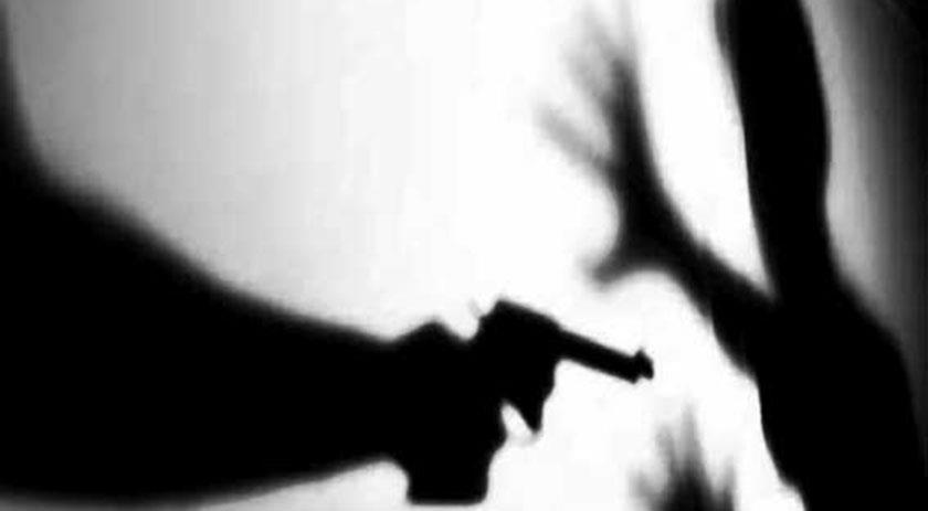 arma apontada - Jovem é baleado após cair em golpe de venda de moto pela internet