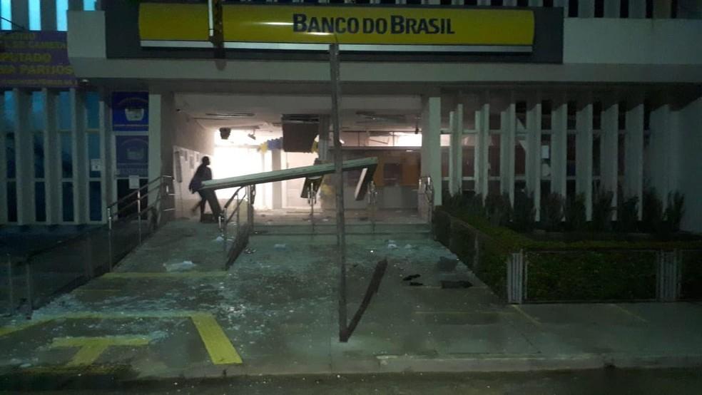 cametá 3 - Quadrilha toma ruas e assalta banco em Cametá, no Pará; ação é parecida com a de ontem em Criciúma
