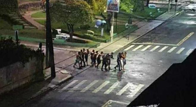 cametá - Quadrilha toma ruas e assalta banco em Cametá, no Pará; ação é parecida com a de ontem em Criciúma