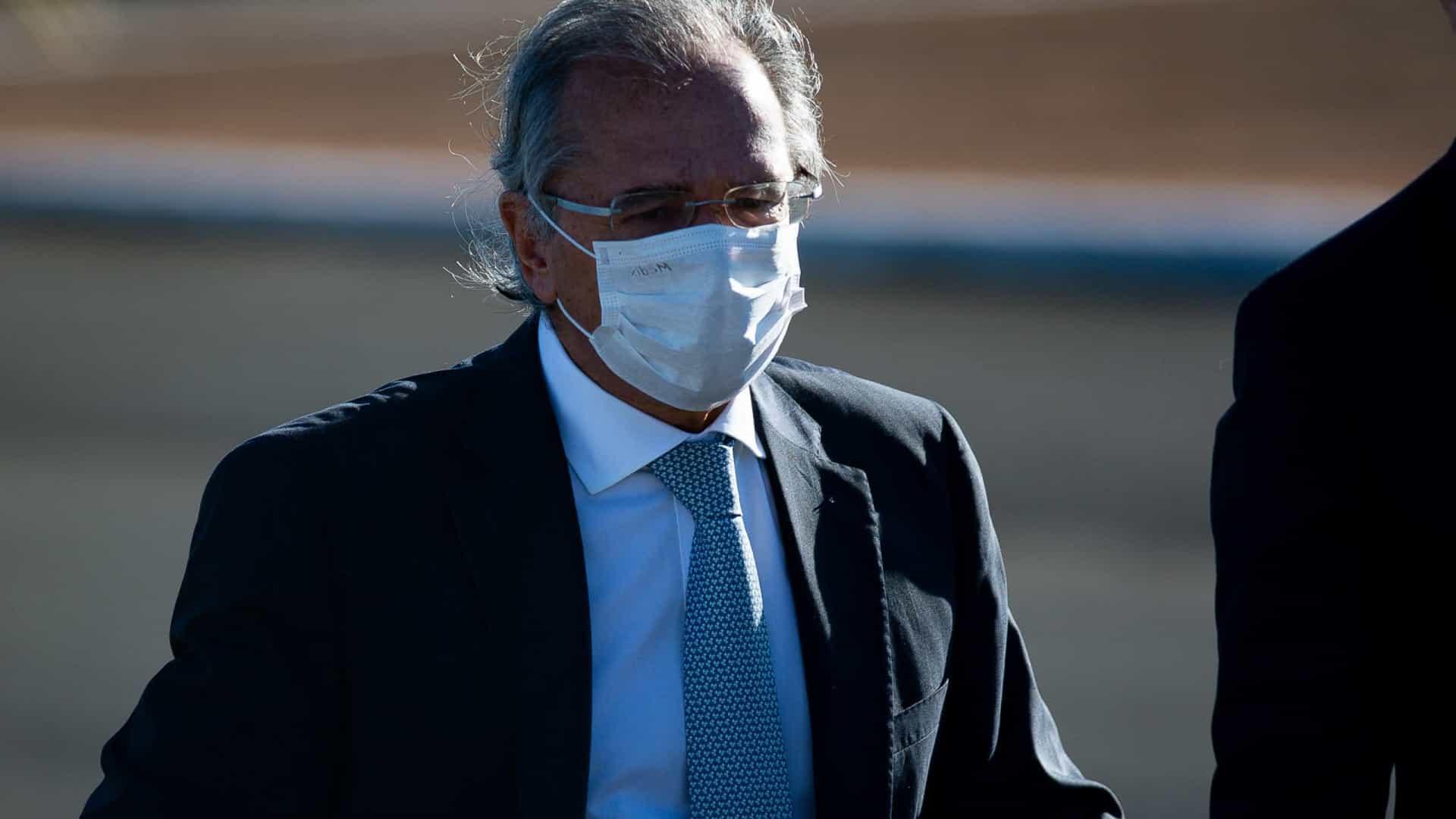 naom 5f297bd0e14c9 - Guedes nega ter encomendado relatório sobre jornalistas e influenciadores e diz que vai demitir quem encomendou o trabalho