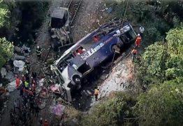 Motorista soltou direção e pulou do ônibus, conta sobrevivente de acidente