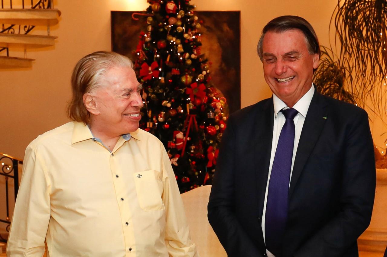 """silvio e bolsonaro - Silvio Santos sobre encontro com Bolsonaro: """"Jamais me colocaria contra qualquer decisão do meu patrão"""""""