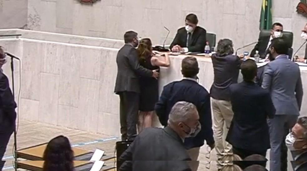 whatsapp image 2020 12 17 at 17.35.58 - Cidadania afasta Fernando Cury após parlamentar ser gravado passando a mão na deputada Isa Penna na Alesp