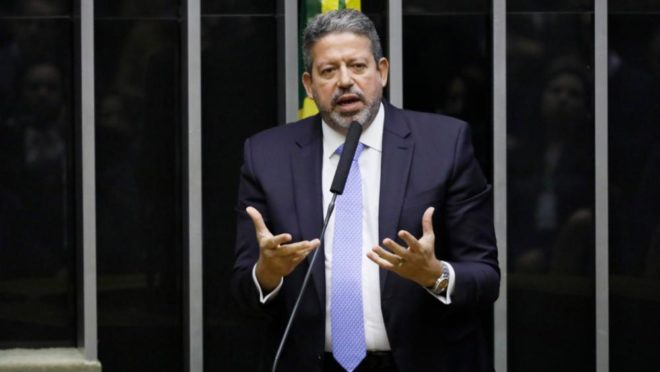 """arthur lira 1 - Lira alfineta diretor da Petrobras e critica preços abusivos dos combustíveis: """"O Brasil não pode tolerar gasolina a quase R$ 7 reais"""""""