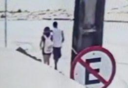 Homem ameaça menina de 13 anos com gargalo de garrafa e a estupra -VEJA VÍDEO