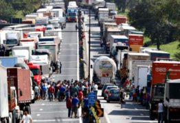 Caminhoneiros ignoram pedido de Bolsonaro e garantem greve