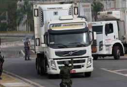 Bolsonaro pede para caminhoneiros não entrarem em greve