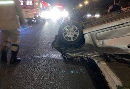 Em João Pessoa:carro capota deixando três pessoas feridas e uma morta